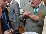 """Сеть развеселила """"госизмена"""" Жириновского в посольстве США"""