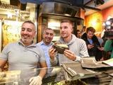 Подольски открыл точку по продаже шаурмы в Кёльне