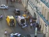 В Москве пьяный таксист въехал в толпу болельщиков