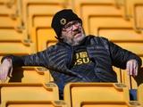 «Вулверхэмптон» запретил игрокам делать селфи с фанатами и жать им руки из-за коронавируса