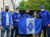 Футболисты «Динамо» передали помощь бойцам АТО в военном госпитале (ВИДЕО)
