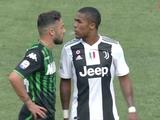 Дуглас Коста плюнул в лицо Ди Франческо и получил красную карточку (ФОТО)