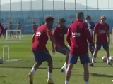 «Барселона» провела тренировку перед матчем с «Динамо» (ВИДЕО)