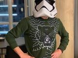 Виктор Цыганков примерил маску имперского штурмовика из «Звёздных войн» (ФОТО)