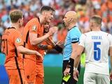 «УЕФА и Карасев — мафия!» Болельщики негодовали от решений российского судьи