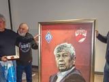 Луческу получил подарки от бухарестского «Динамо» (ВИДЕО)