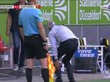 Главный тренер дортмундской «Боруссии» получил травму, отмечая забитый мяч (ФОТО)