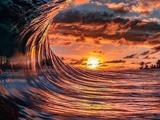 Волны в лучах заката