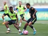 Фред тренируется в общей группе сборной Бразилии