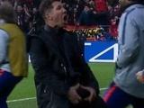 Симеоне извинился за свой жест в матче с «Атлетико» (ФОТО)