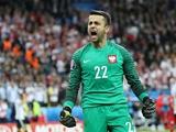 Голкипер сборной Польши Фабяньски завершил международную карьеру