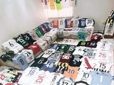 Дерлис Гонсалес похвастался своей солидной коллекцией футболок (ФОТО)