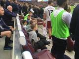 Игроки «Бернли» защитили детей во время беспорядков на матче с «Вест хэмом»