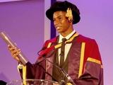 Форвард МЮ получил степень в Манчестерском университете