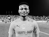 25-летний защитник сборной ЮАР погиб в ДТП