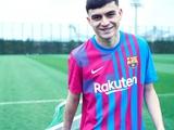 «Барселона» представила новую домашнюю форму на следующий сезон (ФОТО)