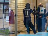 В Бельгии игрок приехал на тренировку в футболке соперника. Его не впустили на базу (ФОТО)