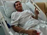 Партнеры Икера Касильяса по «Порту» проведали его в больнице во вратарских формах (ФОТО)
