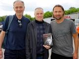 В Украине свою книгу Андрей Шевченко одному из первых подарил своему первому тренеру (ФОТО)