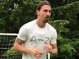Ибрагимович начал работать с мячом спустя месяц после операции на крестах! (ВИДЕО)