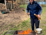«Субботний контент...». Милевский показал, как отдыхает в деревне (ФОТО)