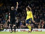 Арбитр показал хавбеку «Арсенала» жёлтую карточку за слишком эмоциональную установку мяча