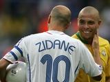 «Сделай себе одолжение — выйди». Роналдо выставил Зидана из раздевалки сборной Бразилии после вылета с ЧМ-2006