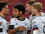 Самолет с игроками сборной Германии совершил аварийную посадку в Эдинбурге