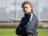 Анатолий Тимощук: «Игроков мы контролировать не можем. Разве что — дать рекомендации...»