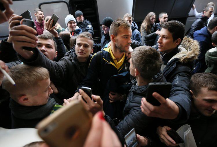 Сборная Украины прибыла во Львов (ФОТО, ВИДЕО)