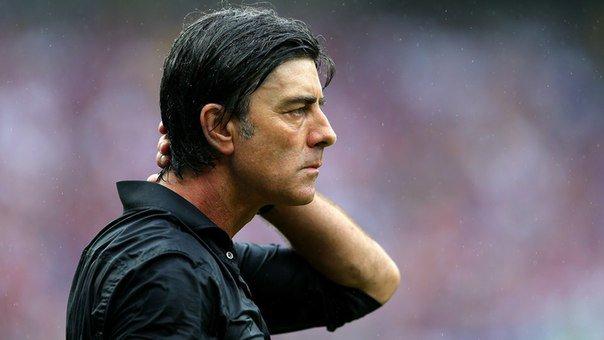 Лев продлил контракт в сборной Германии