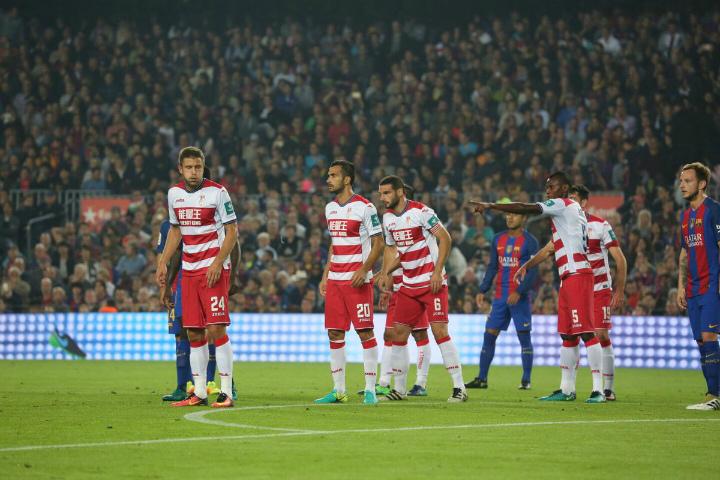 Испания, 10-й тур. Барселона— Гранада 1:0. Выручил Рафинья