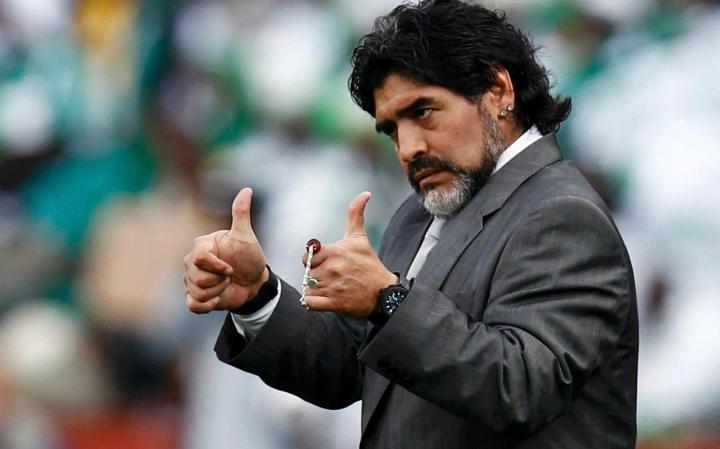 Диего Марадона начал переговоры сфутбольным клубом «Наполи»